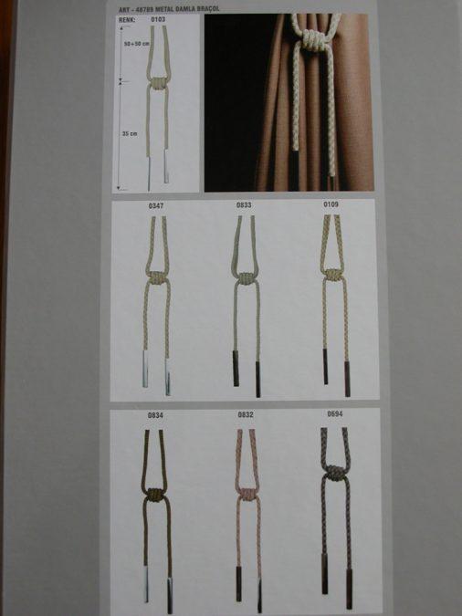 48789. Modern zsinóros függöny elkötő fém díszítéssel