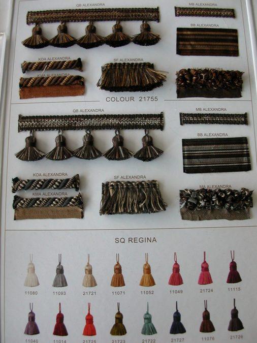 Pamutos paszományok sötét barna színben és kulcsbojtok
