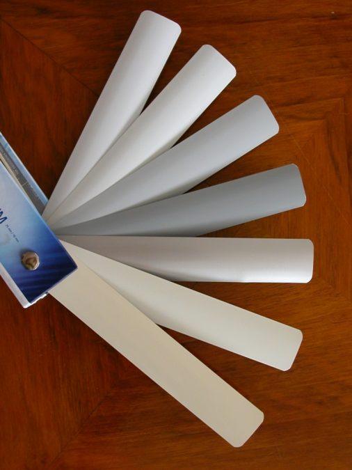 Fehér és szürke árnyalatú alumínium lamella színválaszték