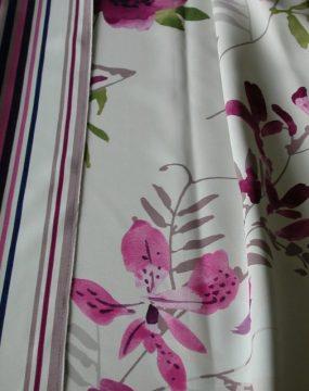 E2372/B LÁNGMENTES! színes virág mintás black out függöny