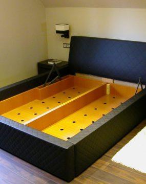 francia ágy osztott ágynemű tartóval