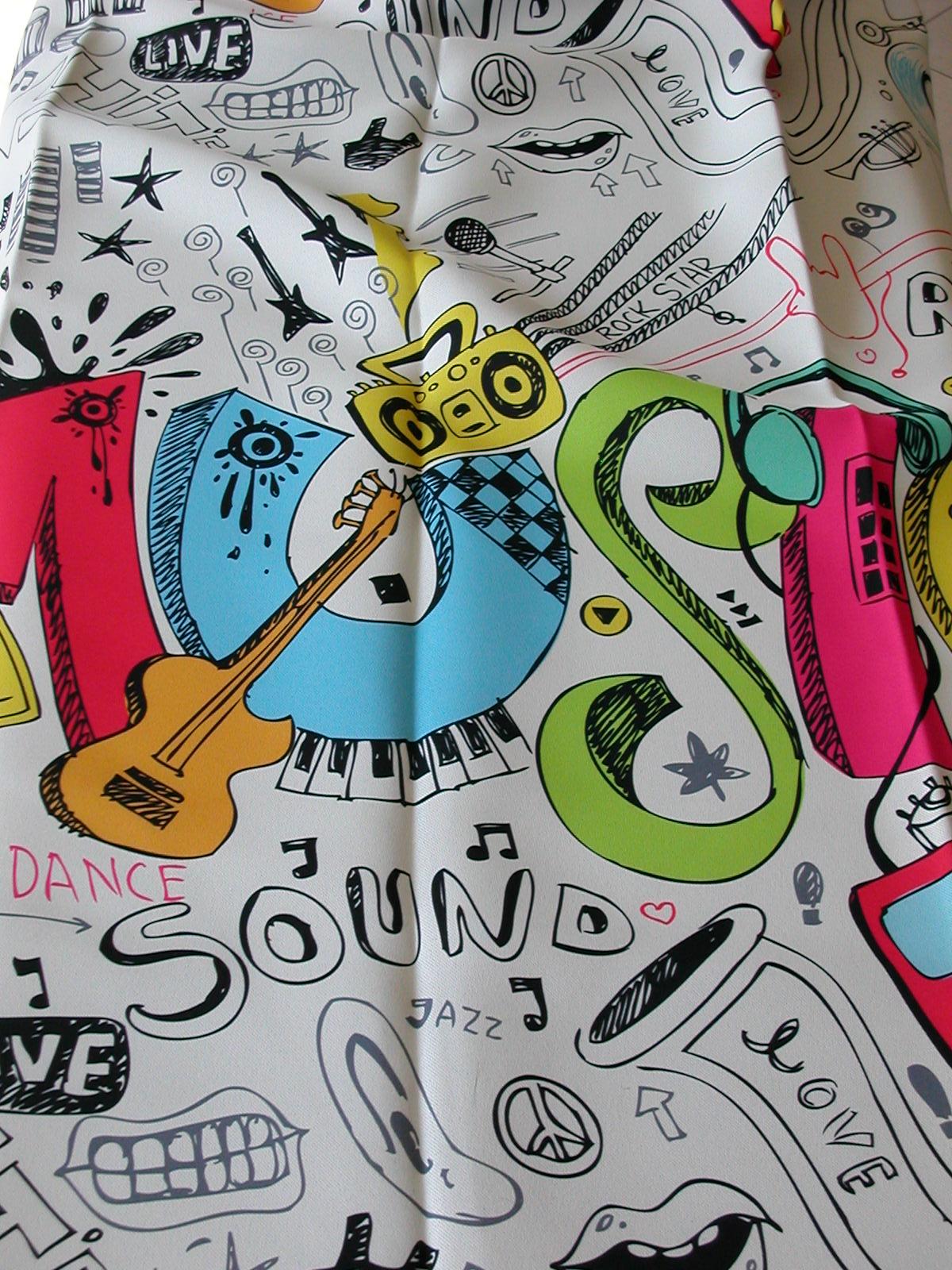 50024. Zene mintás ifjúsági Dim out függöny