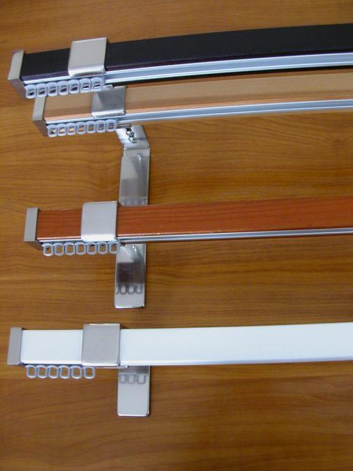 Modern stílusú belső csúszású rúdkarnis garnitúra,