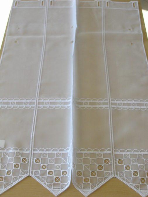 1566. Hímzett vitrázs függöny