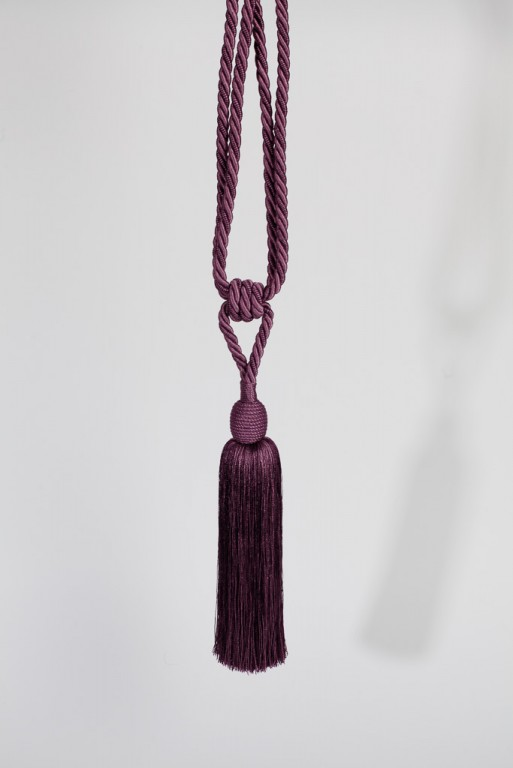 Lucy függönyelkötő lila színben