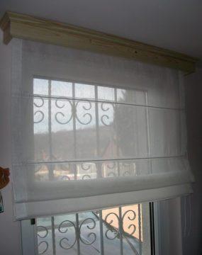 Fatokos raffroló függöny