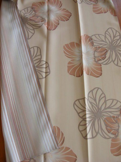GARDENIA-PISA virágos–csíkos Dim Out függöny